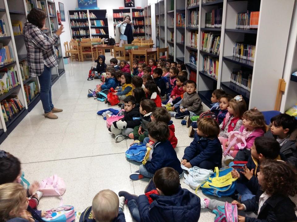 Cerca de 160 niños y niñas de Infantil visitaron la Biblioteca Pública y los estudios de Radio Villacañas