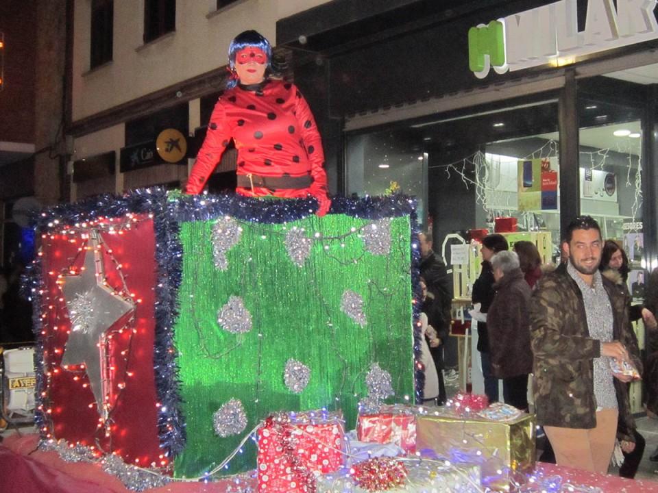 Los Reyes Magos llenaron de ilusión, luz y música las calles de Villacañas