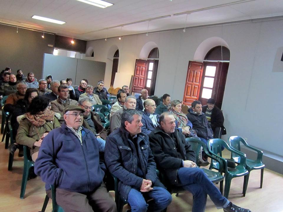 Agricultores villacañeros se forman en el cultivo del almendro
