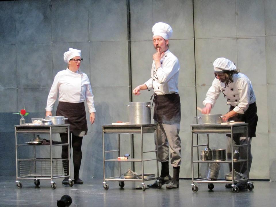 """""""Chefs"""" de Yllana cerró el 43º Festival de Teatro Aficionado"""