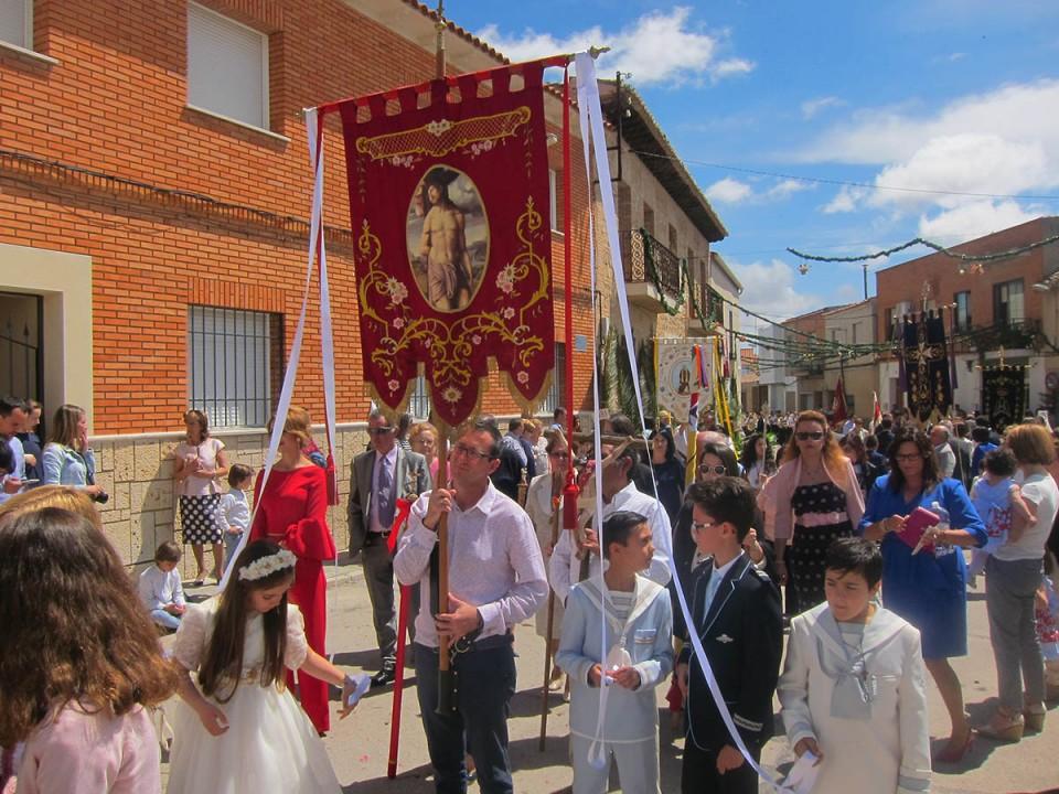La procesión del Corpus recorrió ayer las calles de Villacañas