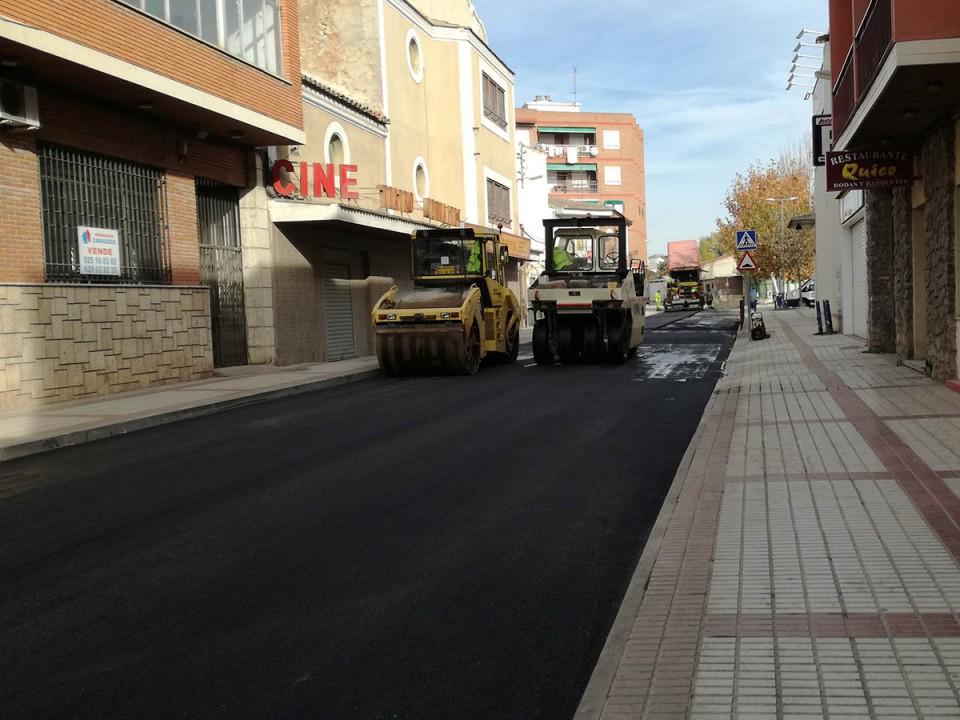 Asfaltado del tramo de la avenida de La Mancha en el que se ha renovado la red de alcantarillado