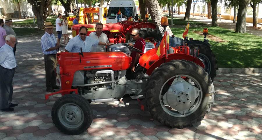 Día del Agricultor y tapas de jamón en el penúltimo día de Feria en Villacañas