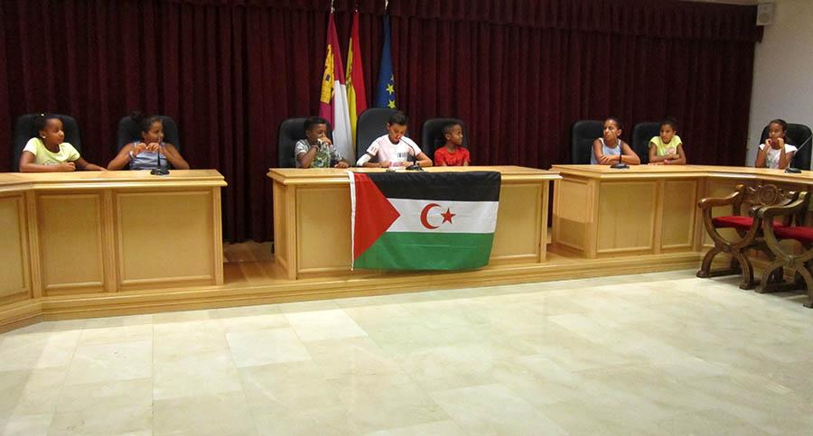 Recepción a los niños y niñas saharauis que están pasando el verano en Villacañas