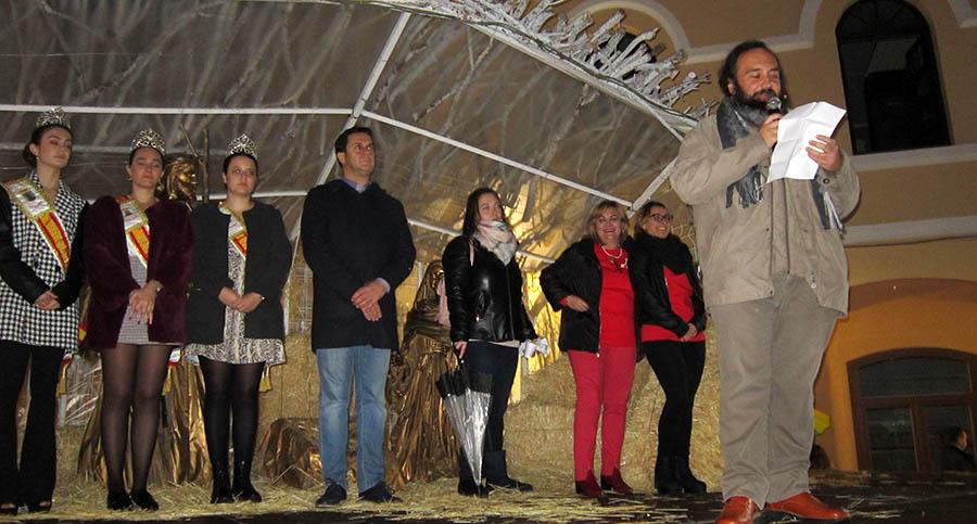 Encendido de las luces y el árbol para dar el pistoletazo de salida a la campaña navideña de Acoprovi