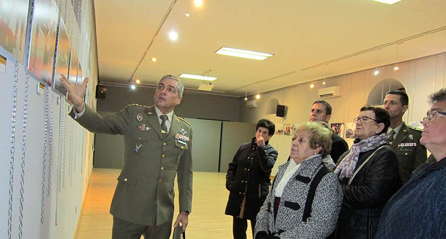 La Unidad Militar de Emergecias (UME) se presenta a los ciudadanos