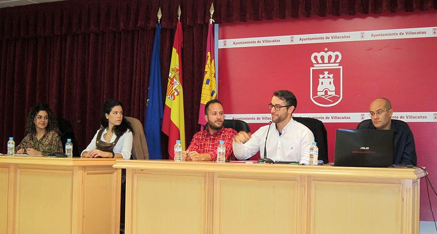"""Tarde de debate en Villacañas con cuatro interesantes ponencias presentadas bajo el tema común """"Protestas"""""""