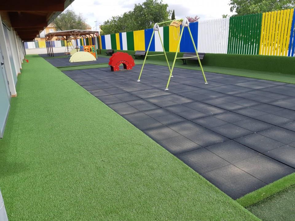 Mejoras en instalaciones municipales como la Escuela Infantil Cuestas Blancas