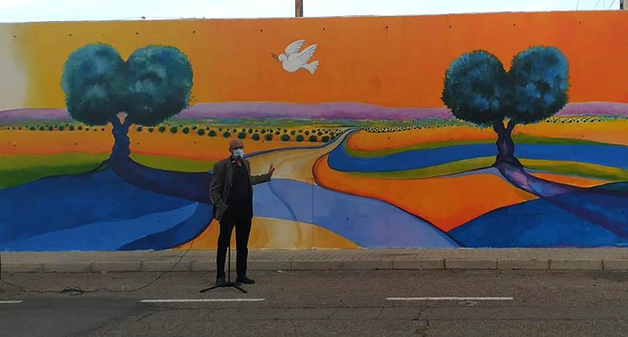 El Muro de la Paz crece en un nuevo Día de la Tolerancia con un cuarto mural, obra del artista Fernando Urbina